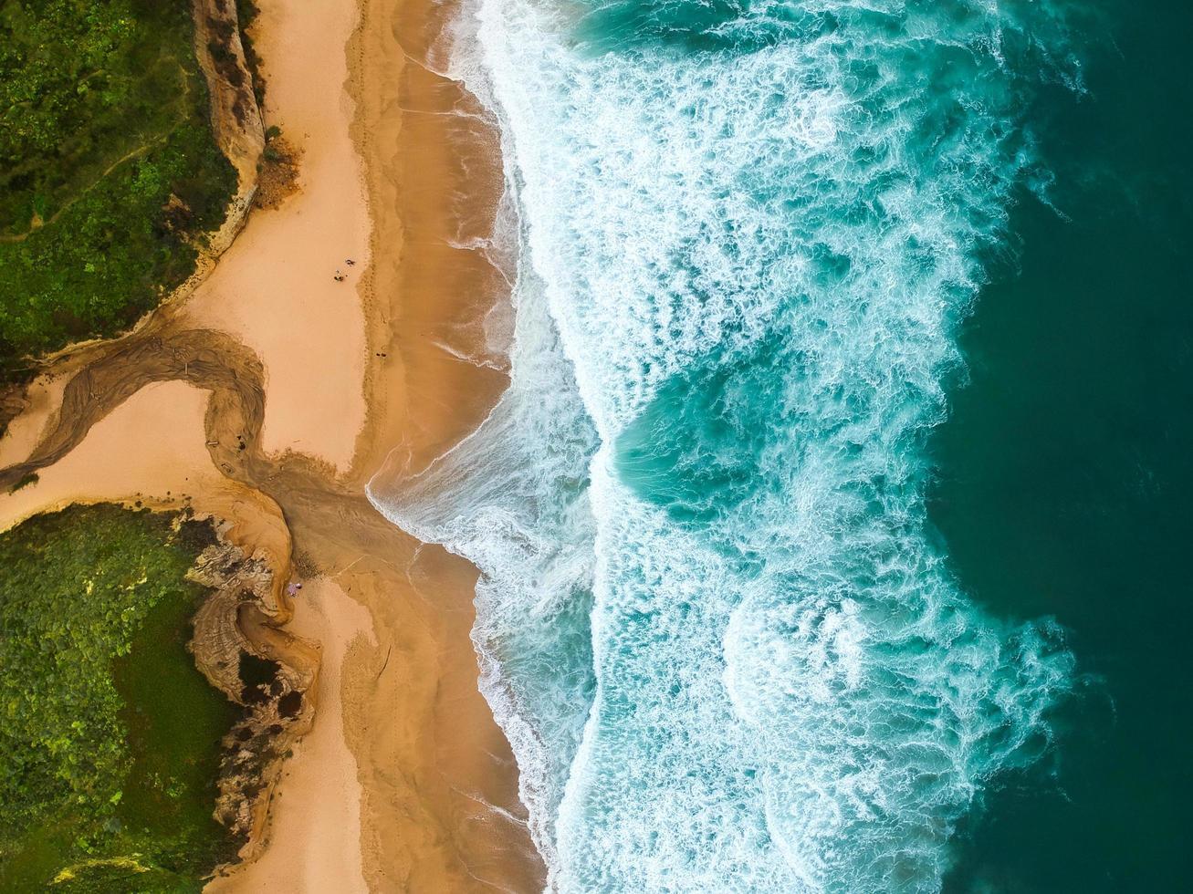 Luftaufnahme des Strandes foto
