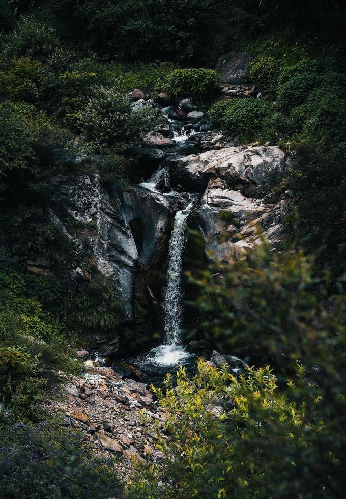 Luftaufnahme des Wasserfalls foto