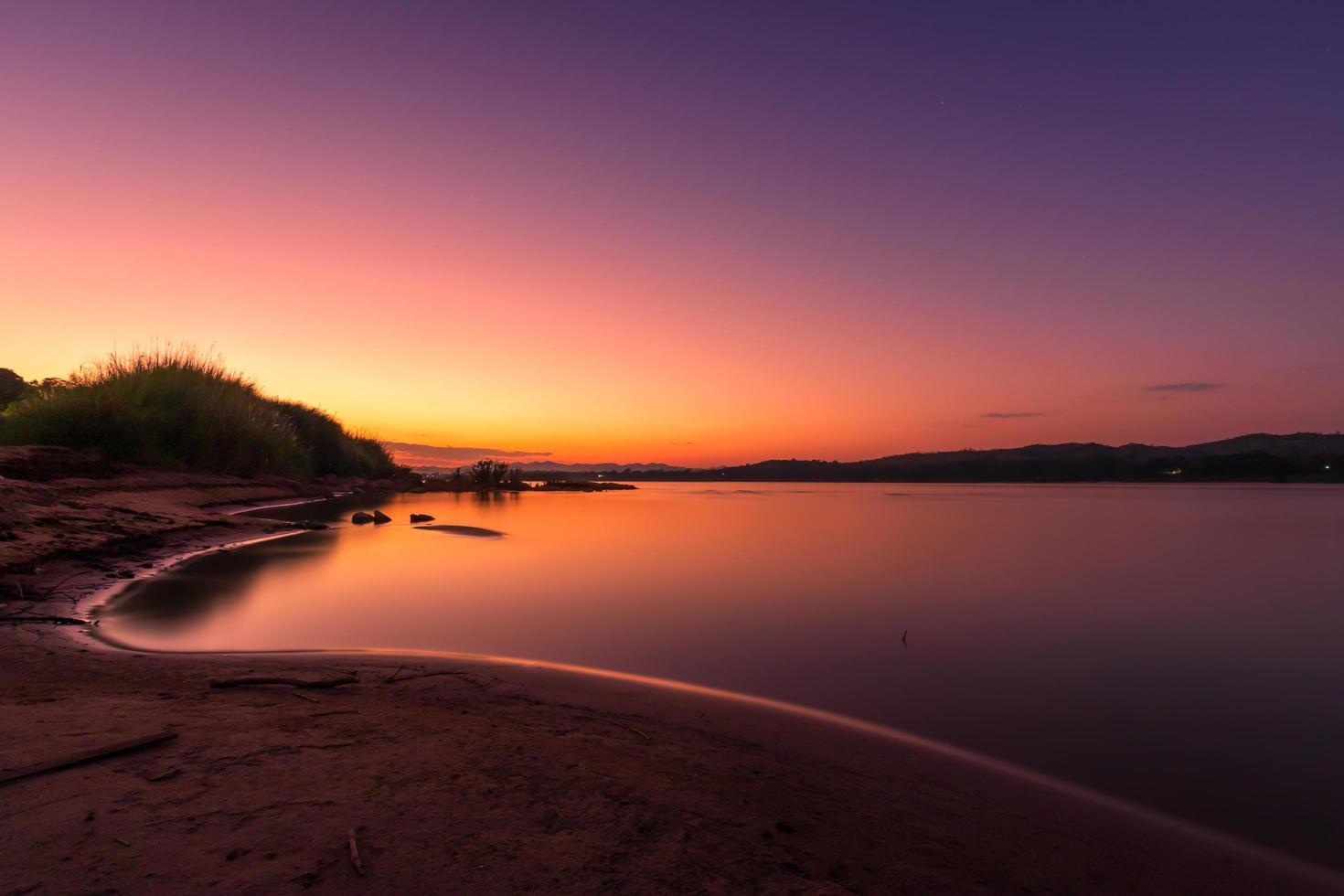 Mekong Fluss am Abend Sonnenuntergang foto