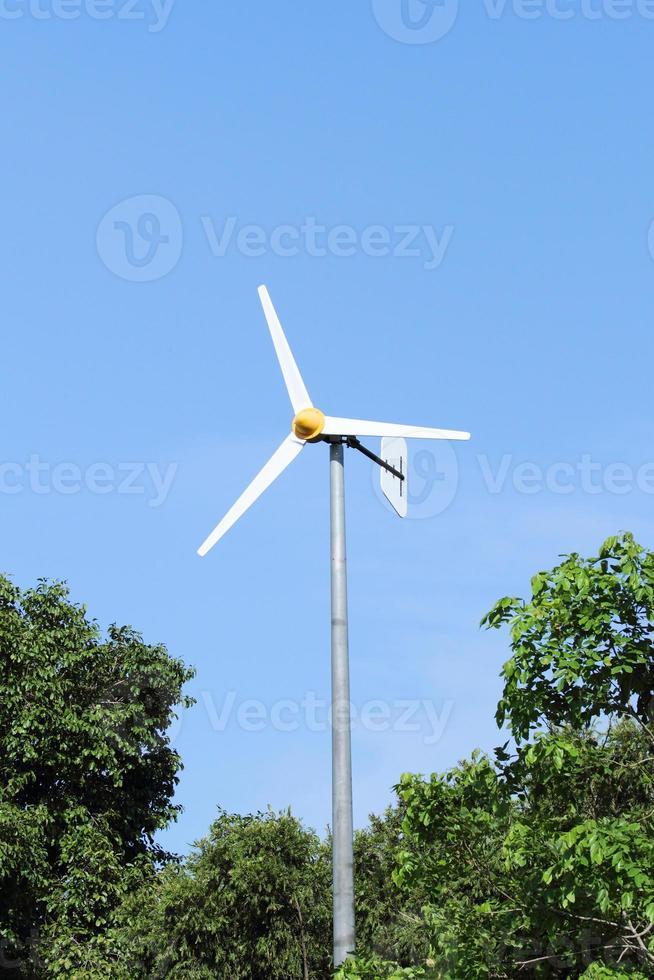 weiße Windmühle foto