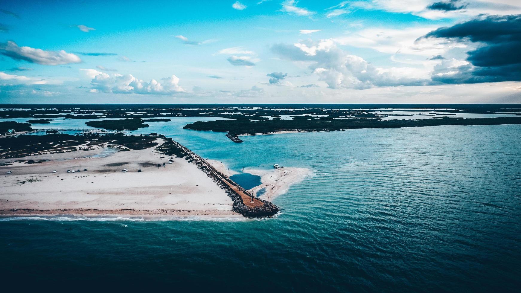 Luftaufnahme einer Insel foto