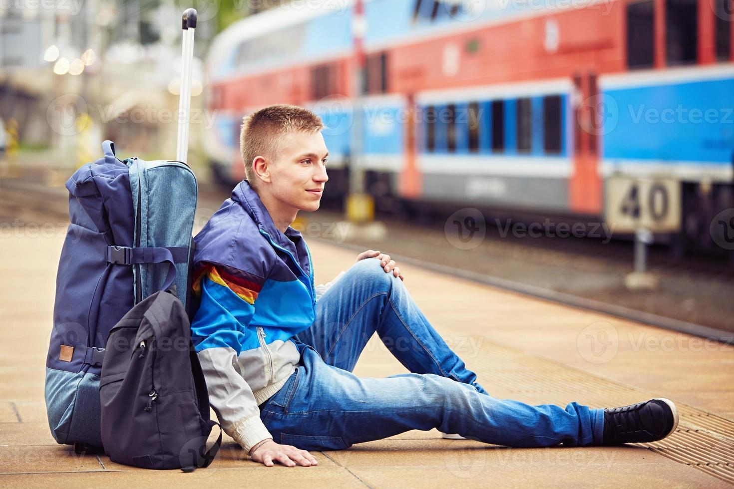 junger Reisender foto