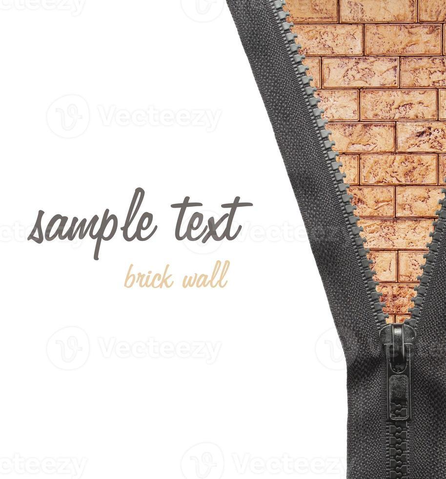 Reißverschluss Kleid Backsteinmauer foto