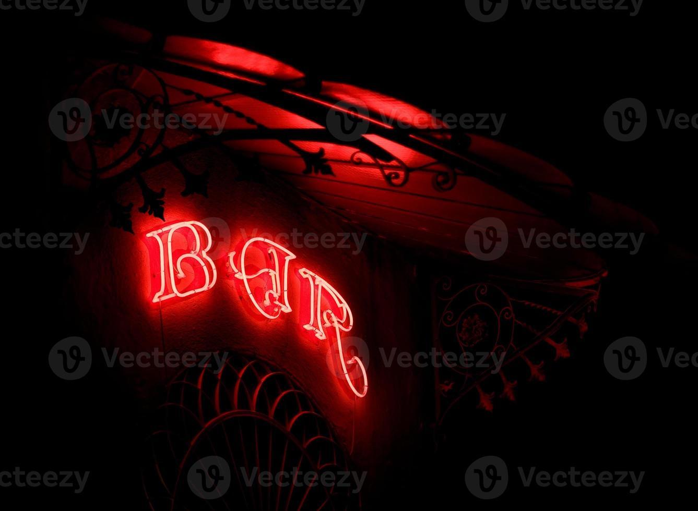 Bar Neon in einem modernistischen Festzelt foto