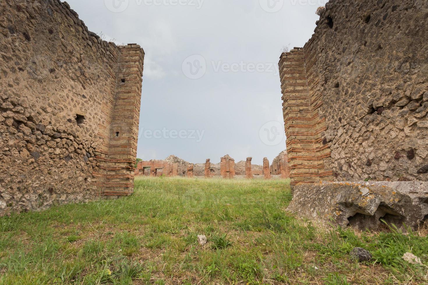 Die berühmte antike Stätte von Pompeji in der Nähe von Neapel in Italien foto