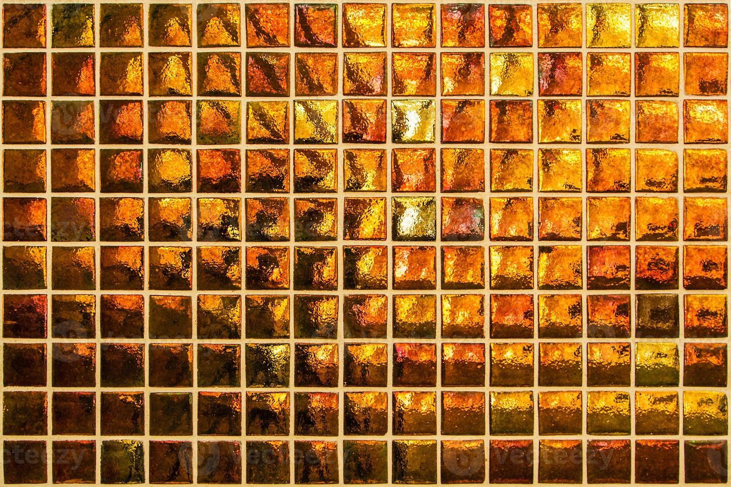 modernes orangefarbenes Mosaik mit kleinen Quadraten foto