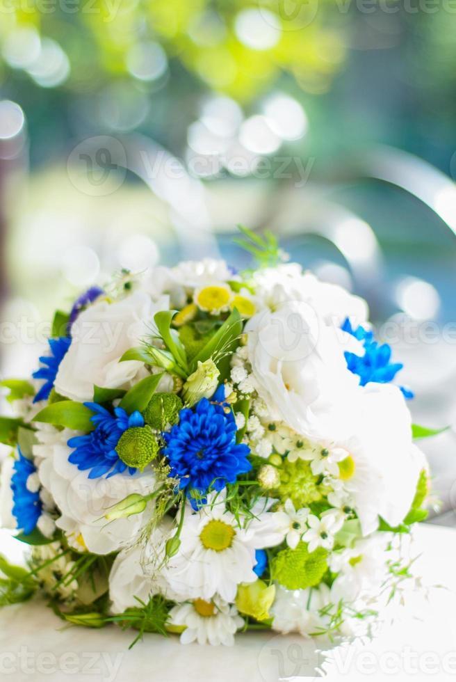 Blumenstrauß auf weichem Hintergrund Bokeh foto