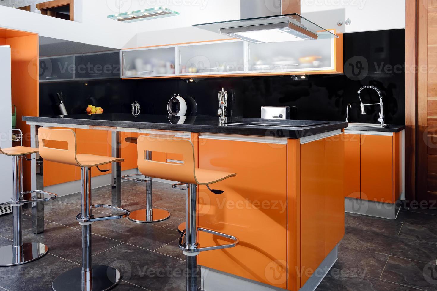 moderne Küche in Orange foto