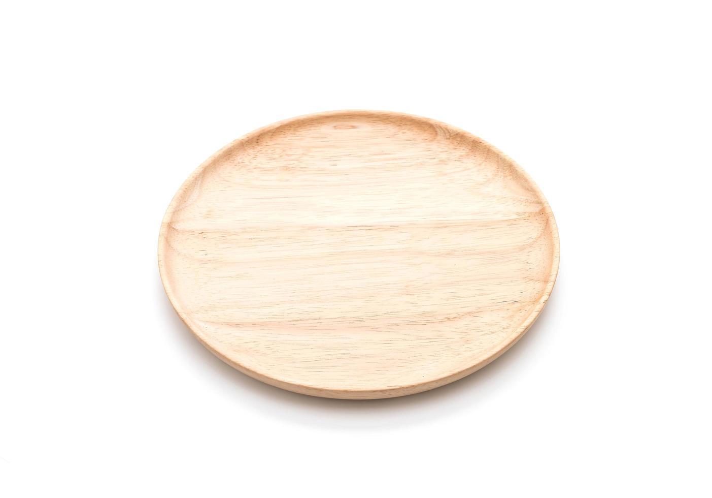 bewaldete Platte auf weißem Hintergrund foto