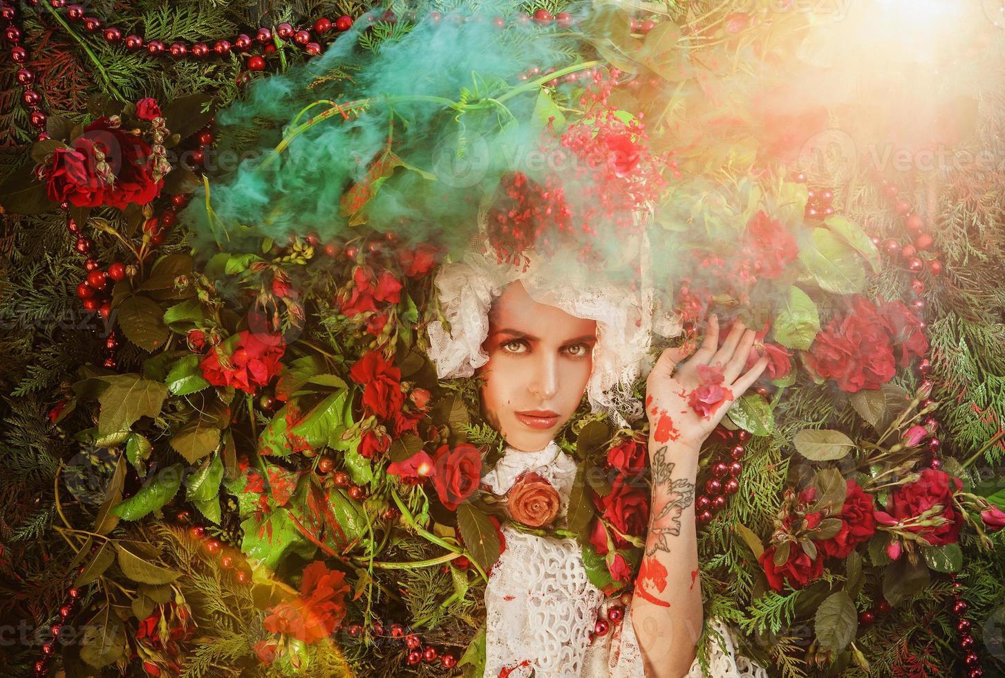 Märchenmädchenporträt umgeben von natürlichen Pflanzen und Blumen. foto