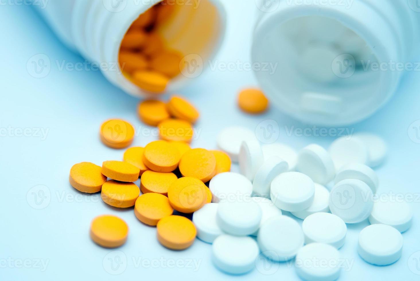 Tabletten und Kapseln foto