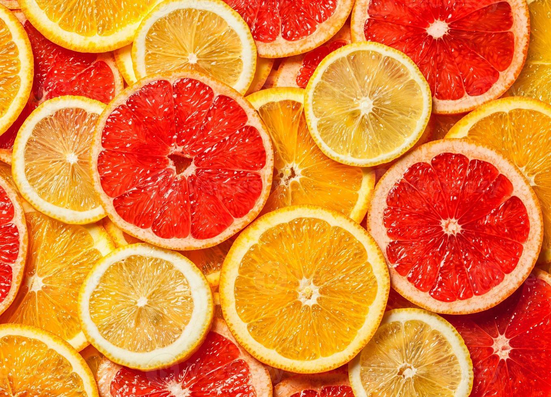 bunte Zitrusfruchtscheiben foto