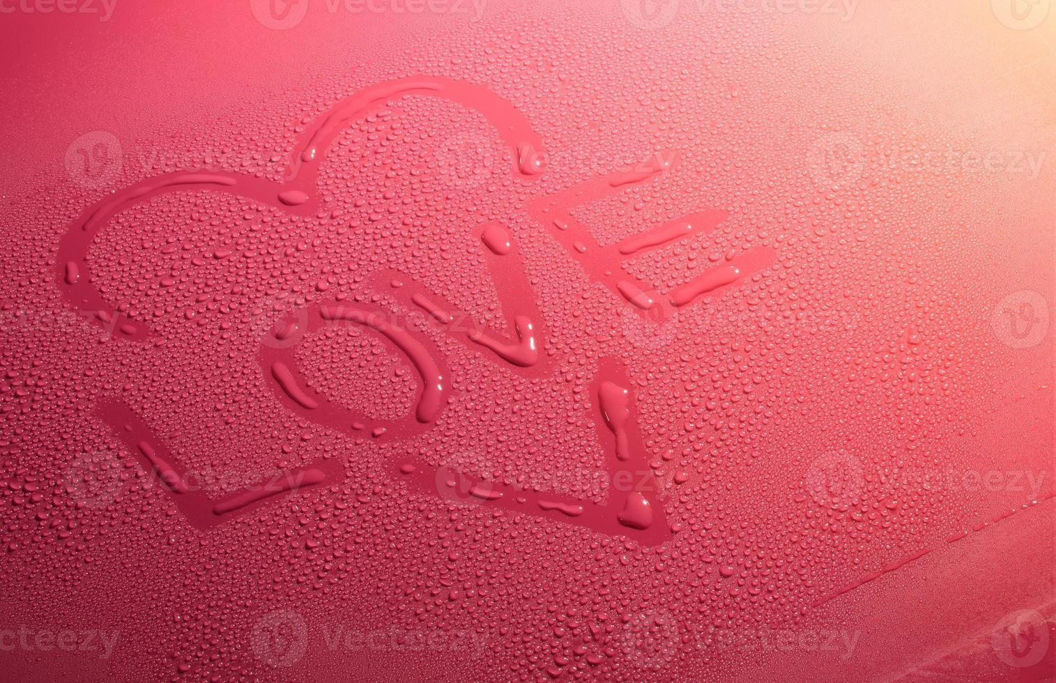 Valentinstag Liebesherz aus Wasserblasen foto