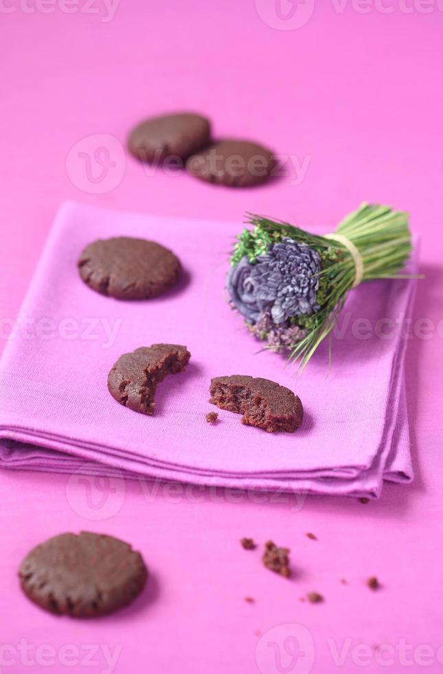 vegane Schokoladen-Himbeer-Kekse foto