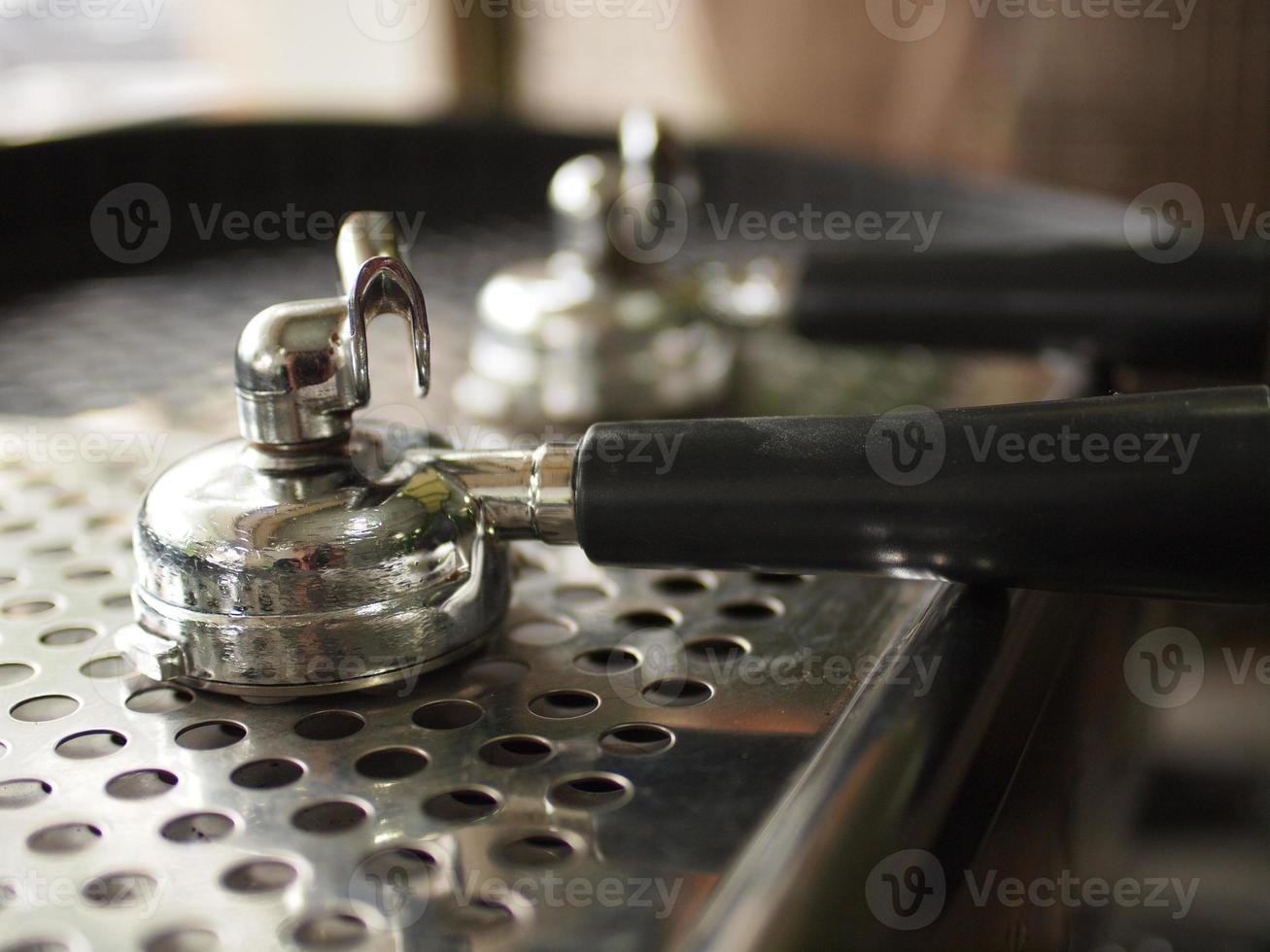 Siebträger auf Espressomaschine foto