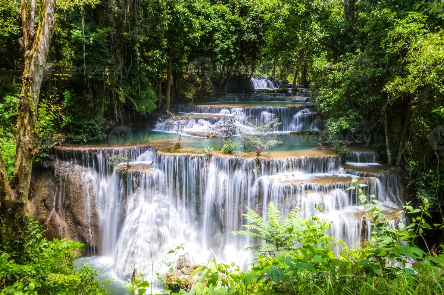 Kalkstein Wasserfälle, Huay Mae Khamin foto