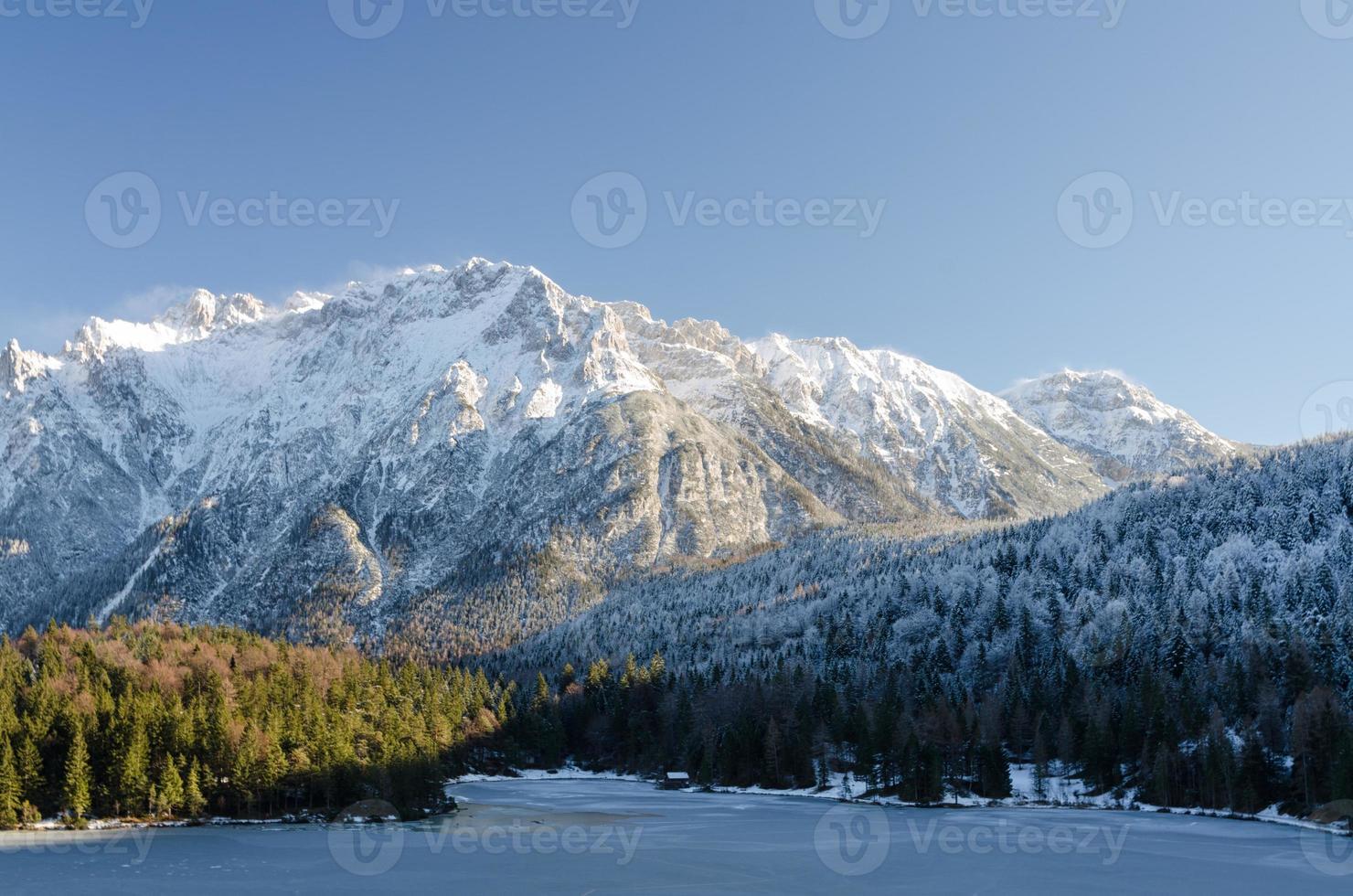 gefrorener See Lautersee bei Fäustlingwald foto