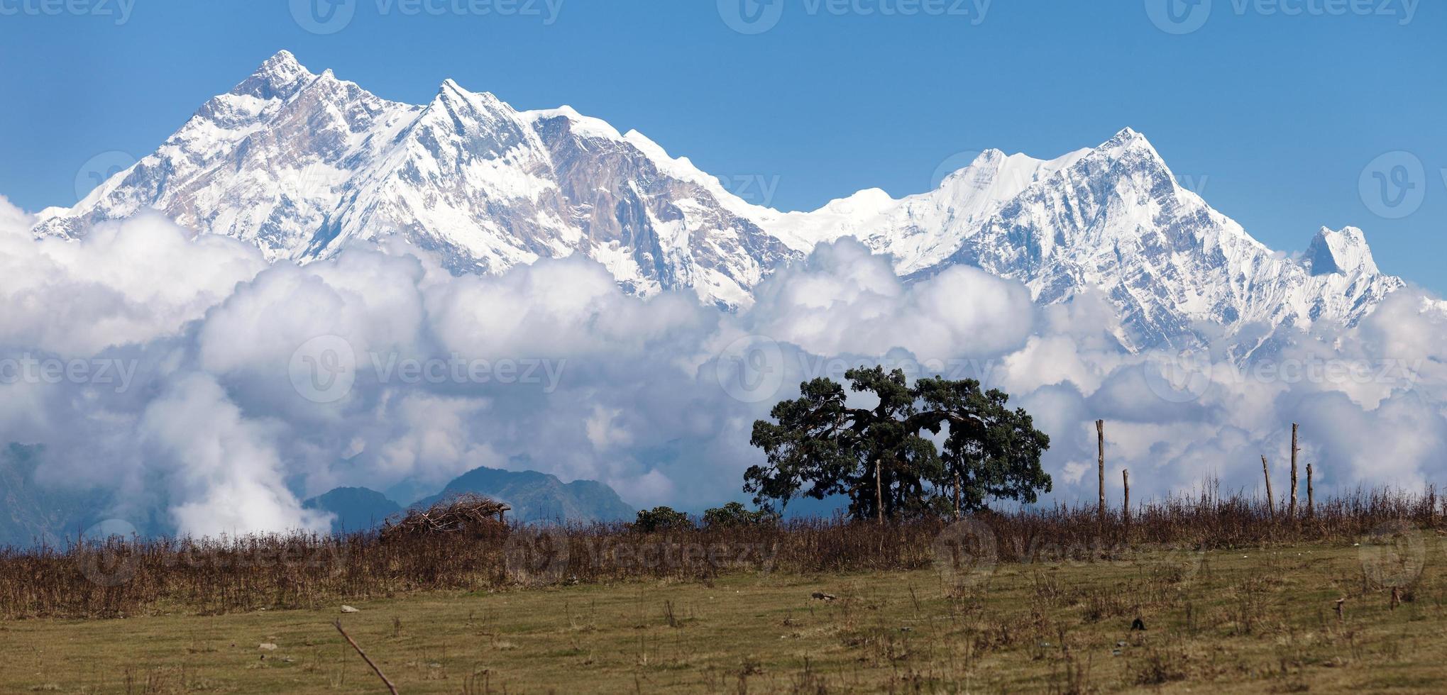 Panoramablick auf Annapurna Himal vom Jaljala Pass foto