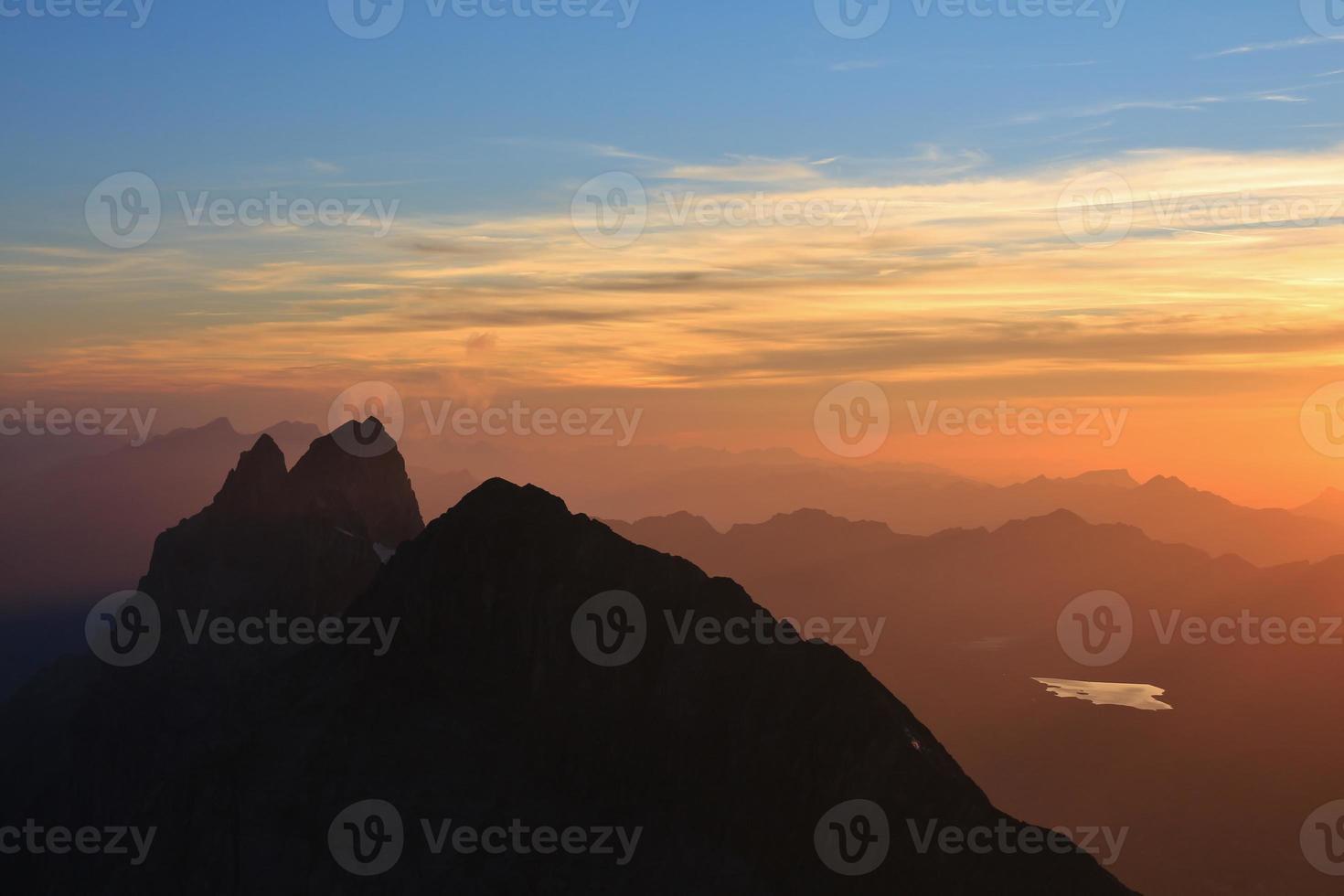 wendenstocke bei Sonnenuntergang, Blick von der Titlis foto