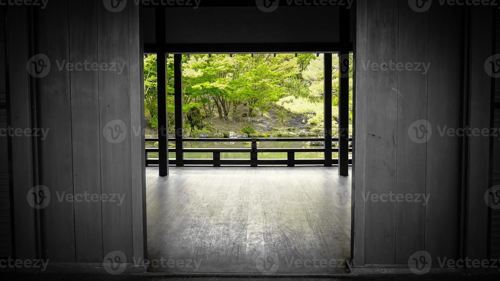 japanischer Garten mit einem Feng Shui Haus foto