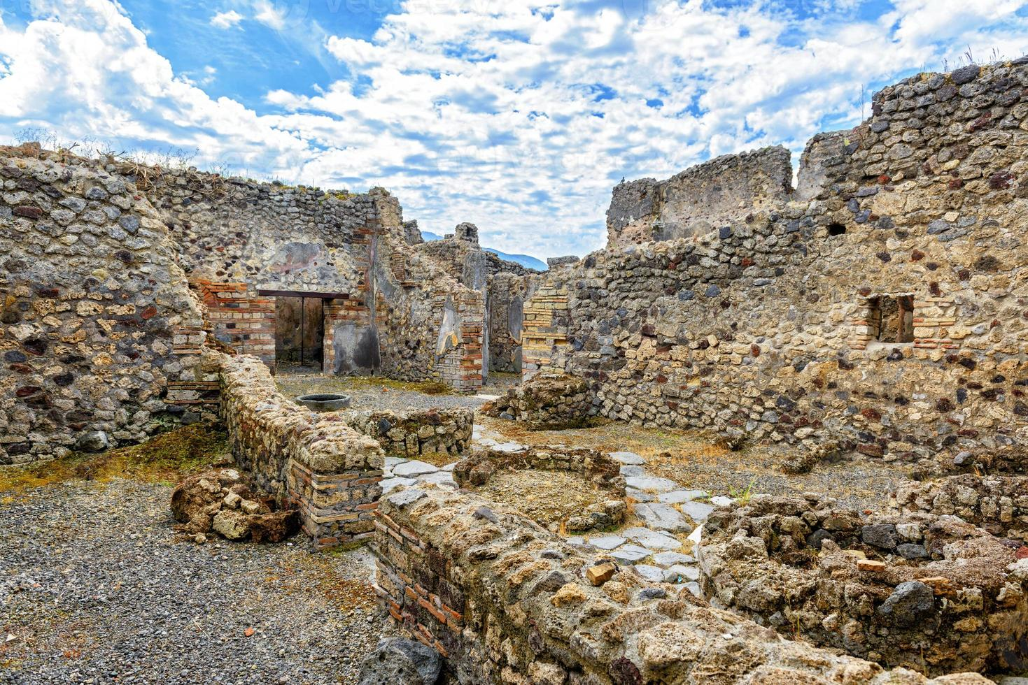 Ruinen eines Hauses in Pompeji, Italien foto