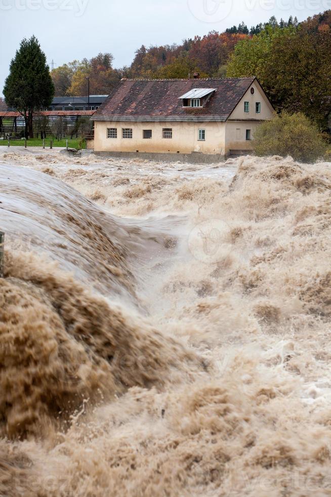 Haus in Hochwassergefahr foto