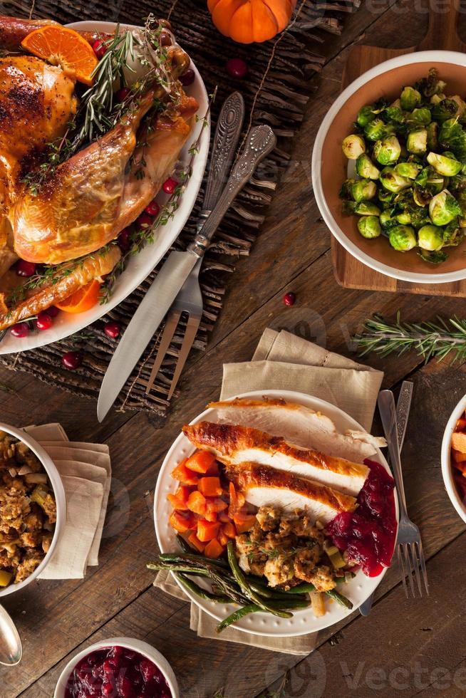 volles hausgemachtes Thanksgiving-Abendessen foto