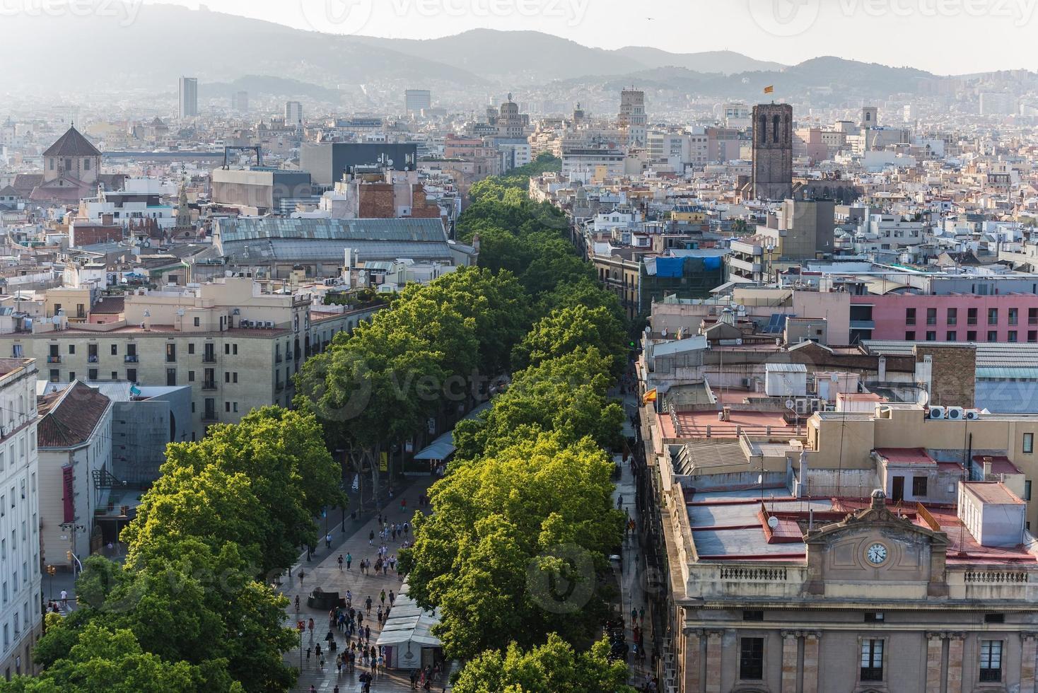 Blick über die Häuser von Barcelona Spanien foto