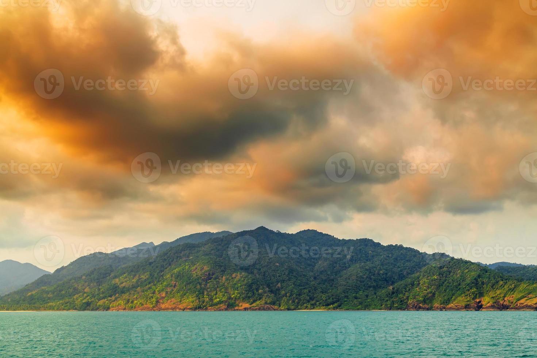 Himmel über der Insel foto