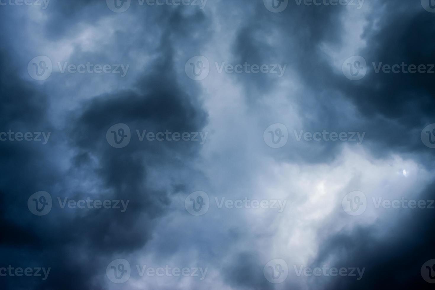 stürmische Wolken, Hintergrundhimmel foto