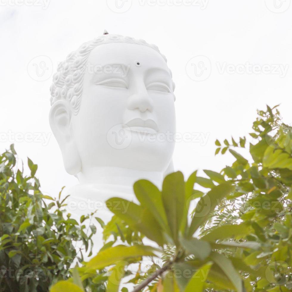 Buddha, Wahrzeichen auf Nha Trang, Vietnam foto