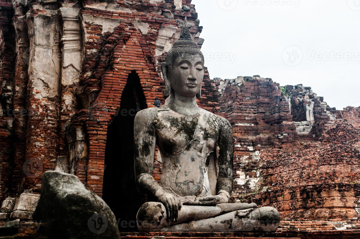 Ruine des alten Buddha-Tempels in Thailand foto