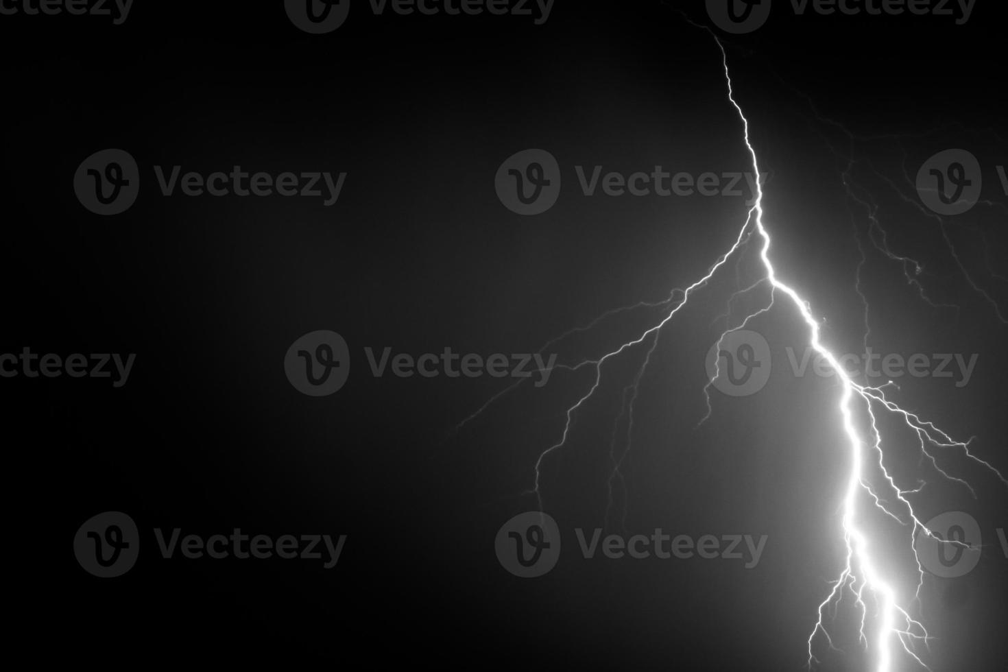 Blitz am Nachthimmel foto