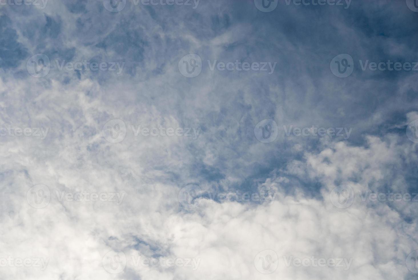 Himmel mit Wolken foto
