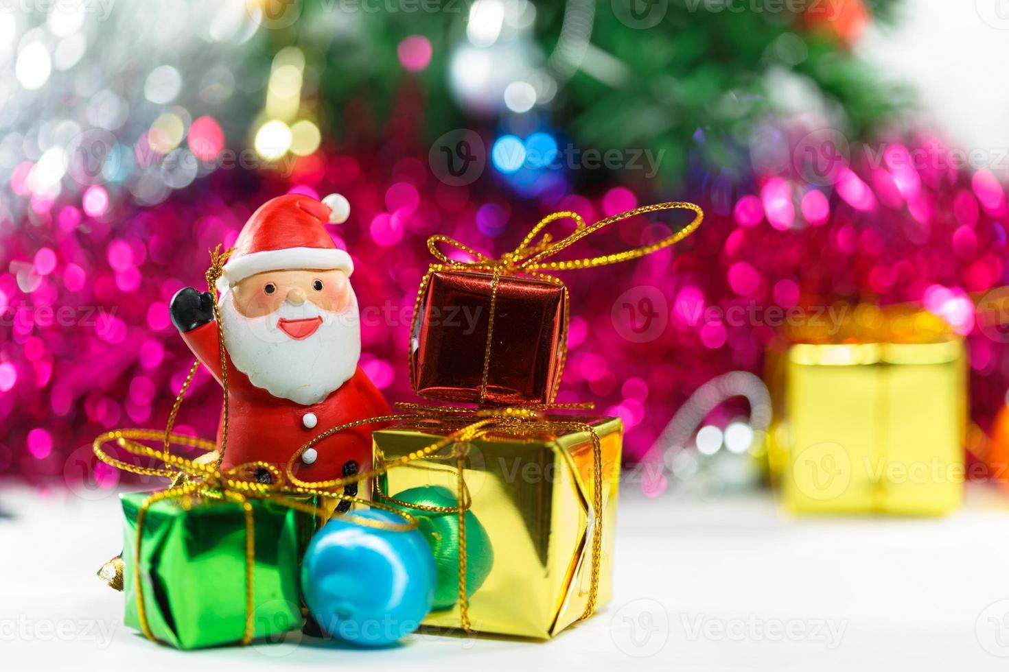 Weihnachtsmann Weihnachtsfeier mit Geschenkbox foto