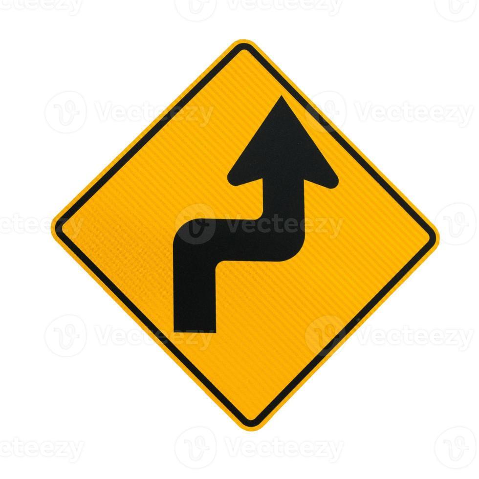 Verkehrsschild mit scharfen Kurven foto