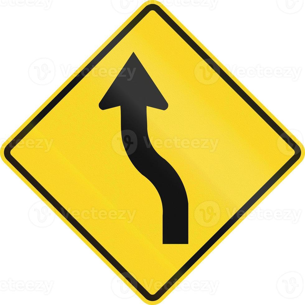 umgekehrte Kurve zuerst nach links in Kanada foto