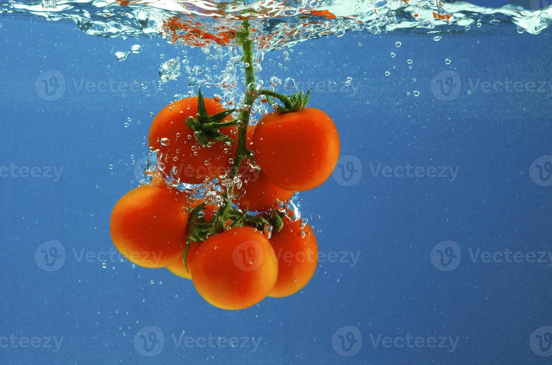 Gemüse in Wasser foto