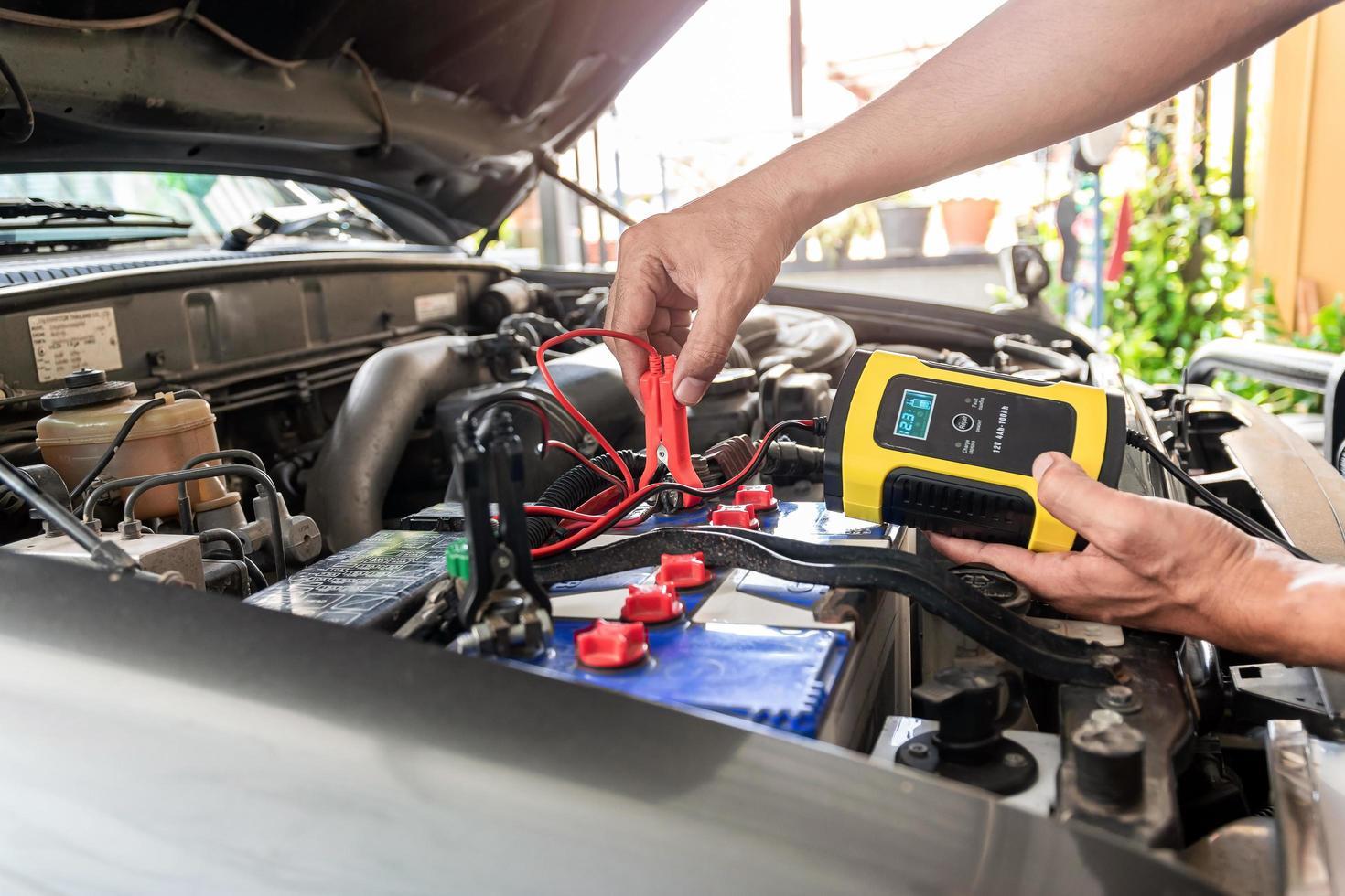 Autobatterieladegerät foto