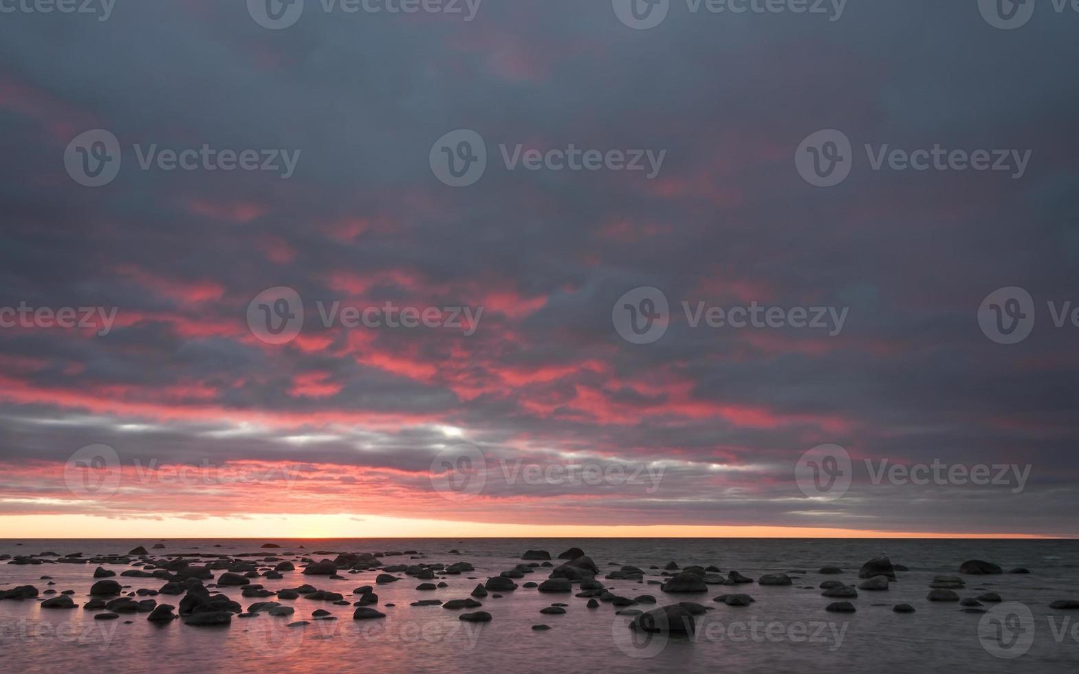 bunter Sonnenuntergang am Meer foto