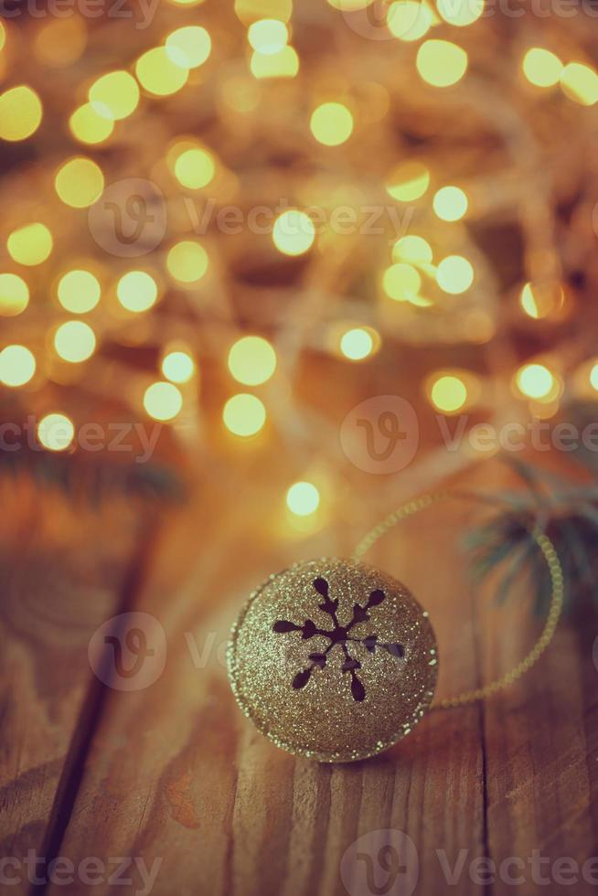 Metallklingel mit Stern. Retro Weihnachten bac foto