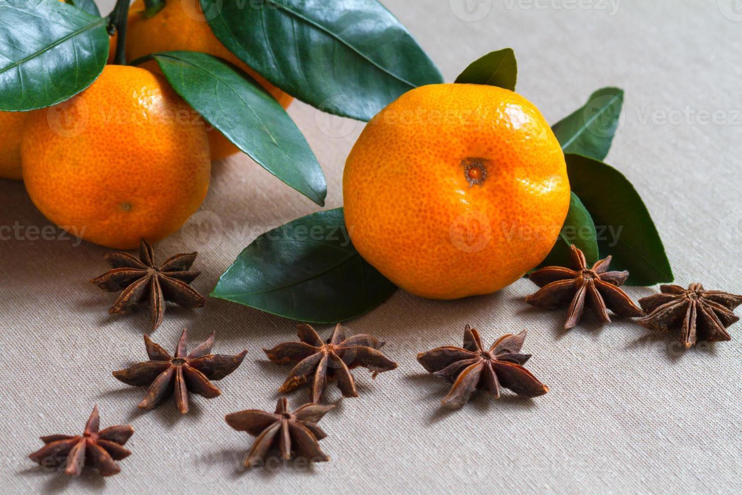 Früchte und Gewürze foto