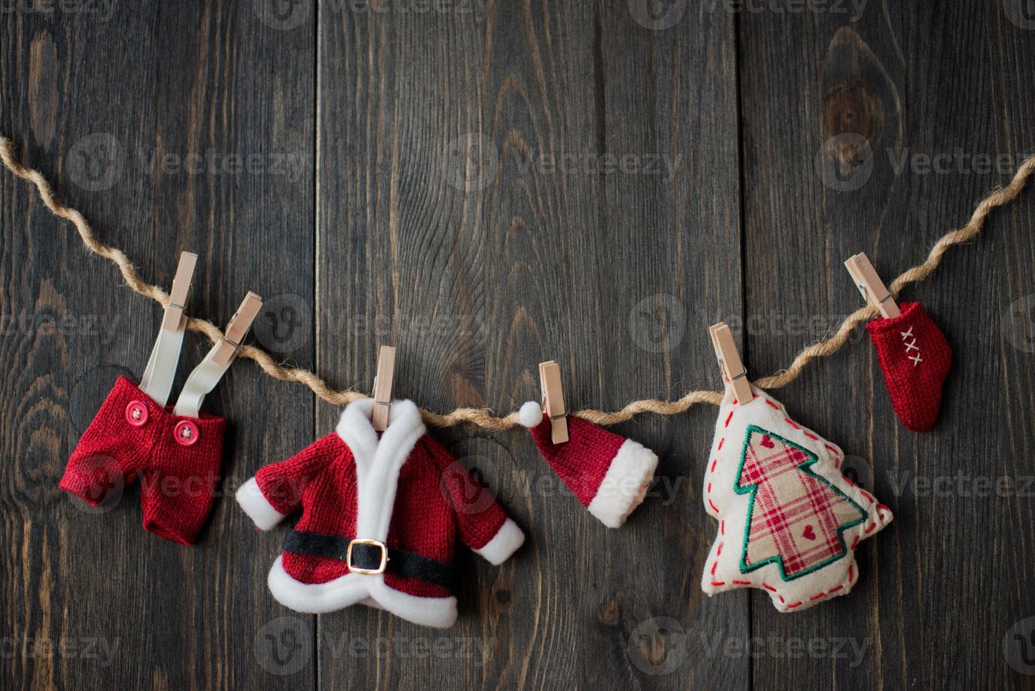 Weihnachtsdekoration über hölzernem Hintergrund foto
