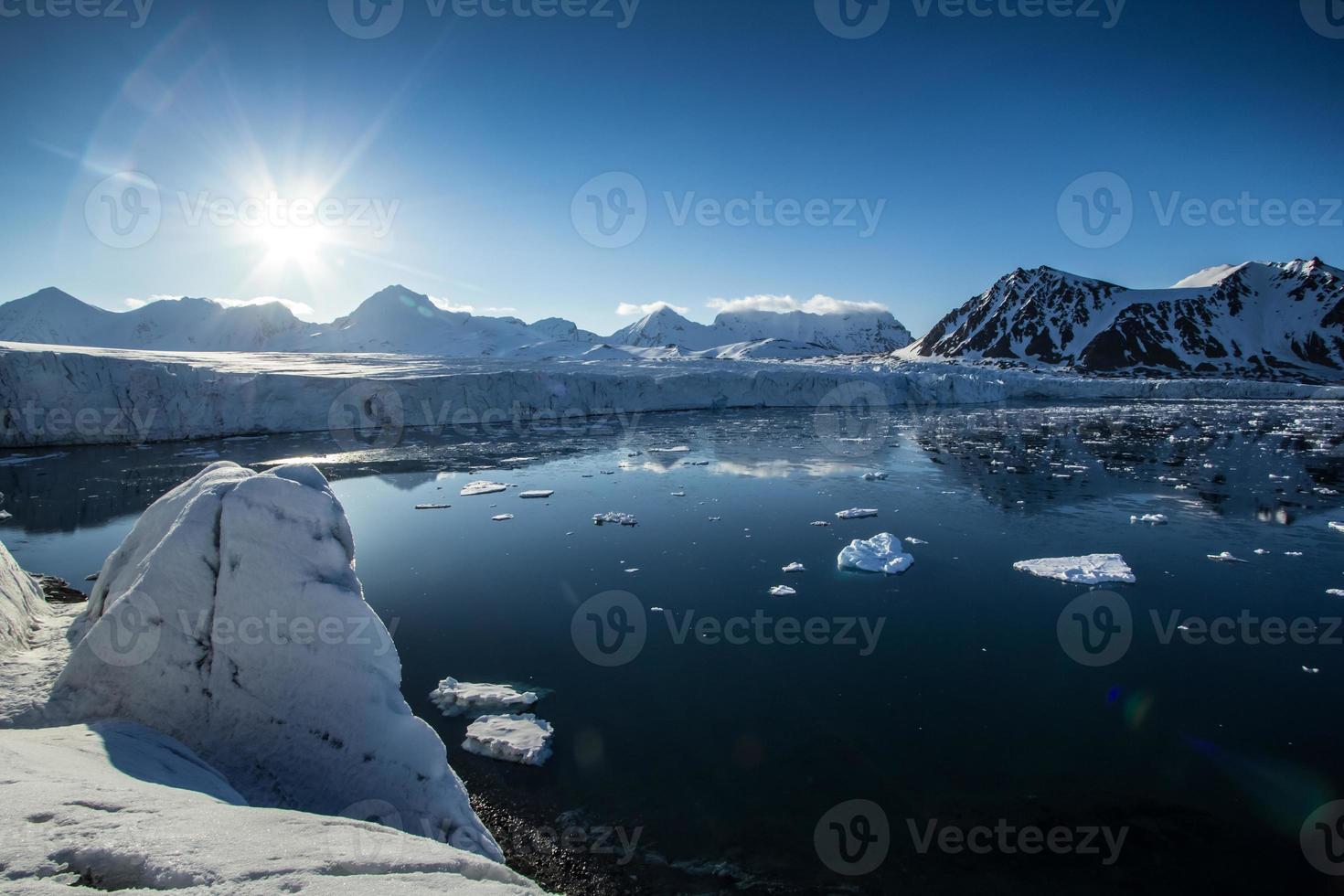 arktischer Frühling in Südspitzbergen. foto