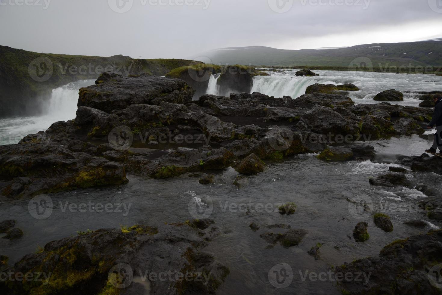 Wasserfall auf der Insel foto