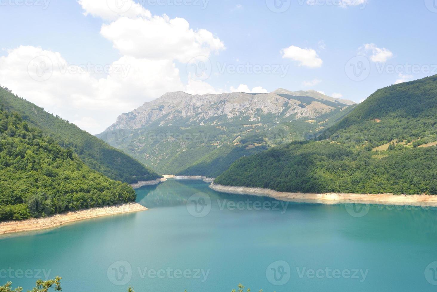 Pivsko See, Montenegro. foto