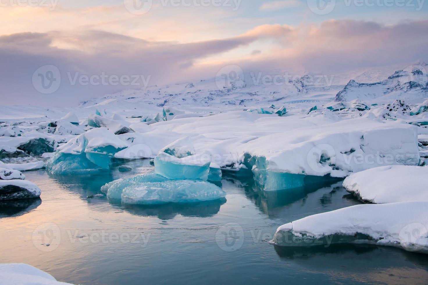 schöne blaue Lagune Jokulsaron Lagune, Island foto