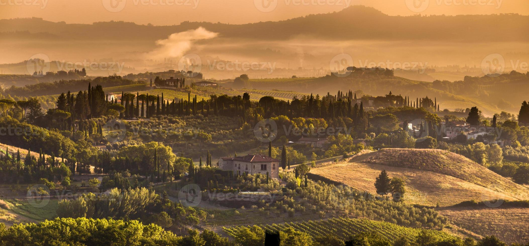 toskanisches Dorfpanorama foto
