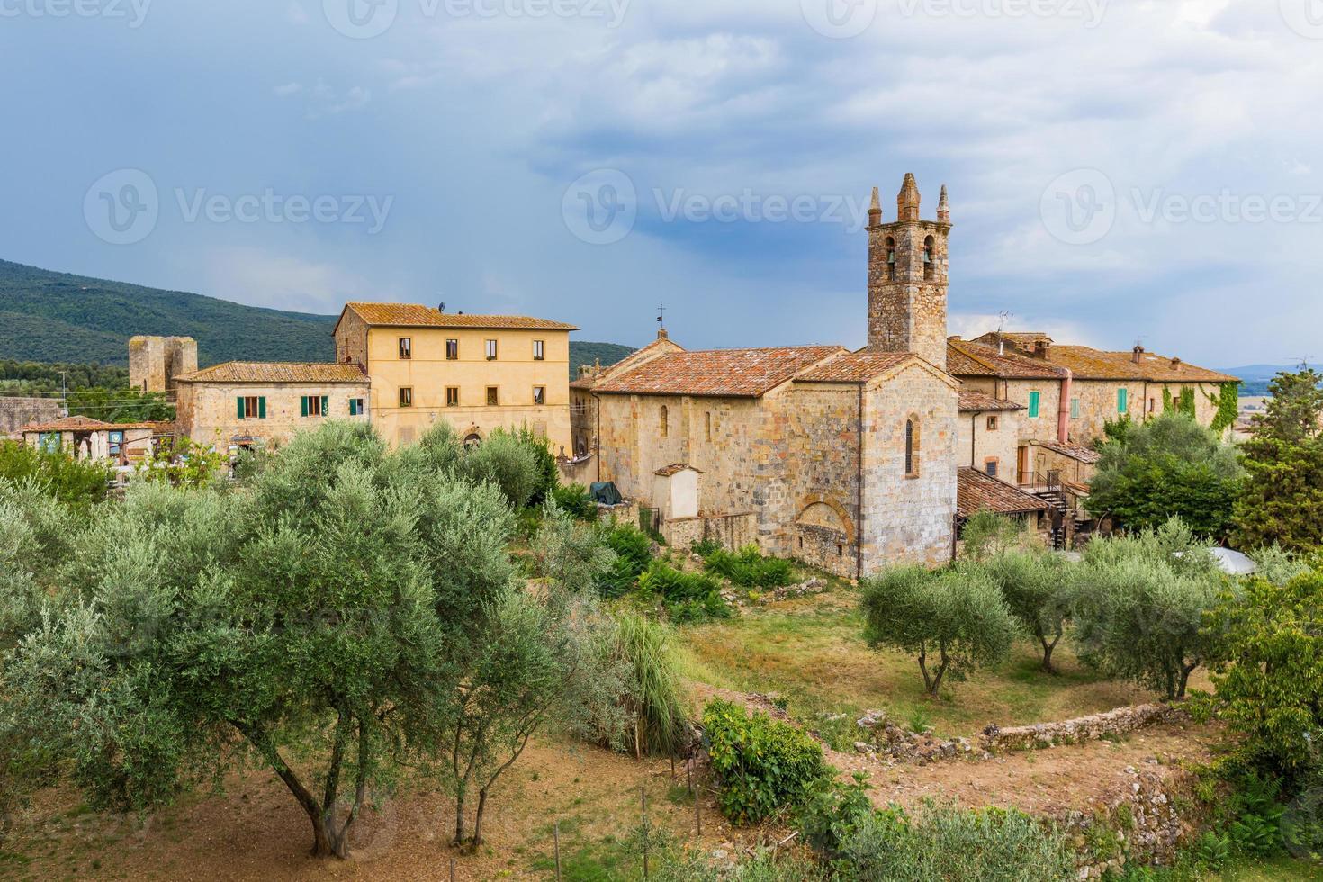 mittelalterliche Stadt in der Toskana, Italien foto