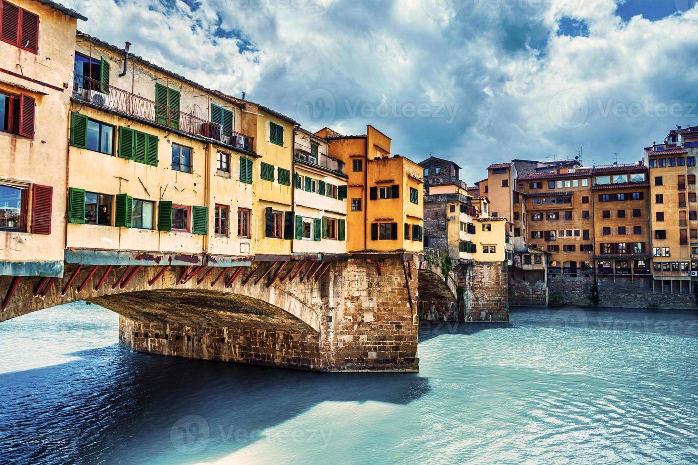 Florenz, Brücke und Fluss Arno foto